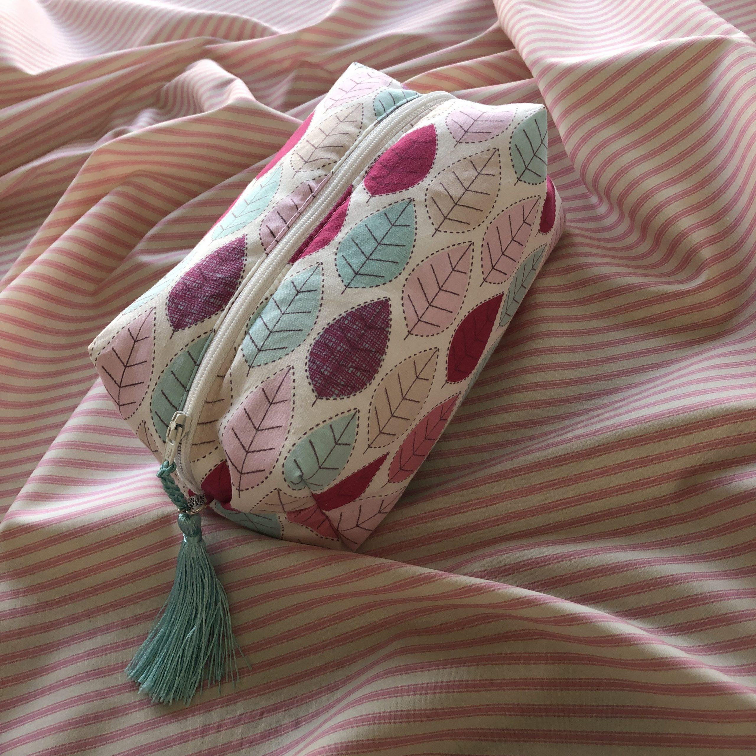 the-S brand : Zip Top BOXY Make Up Bag Kit